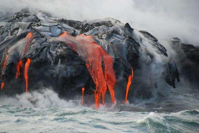 6 безопасных мест, откуда можно наблюдать за действующими вулканами