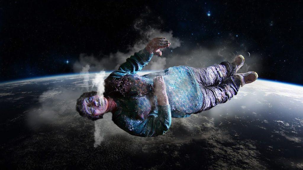 человек без скафандра в открытом космосе фото этого собора получила